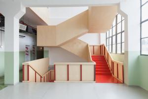 Почему нужно пожить в тбилисском хостеле «Фабрика»