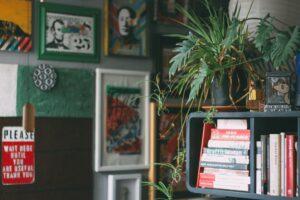 Краудфандинг в стиле Seasons: печатаем книгу, помогаем художникам, устраиваем выставку