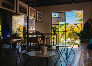 Свободным художникам: где красиво позавтракать и зависнуть с ноутбуком